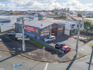 Corner Site - Onehunga - Industrial / Office / Warehouse For Lease