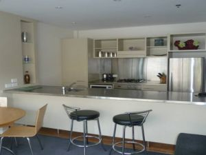 : $190/week 1 bedroom apartment at 125 Customs Street, West Auckland City, New Zealand