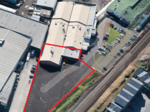 : High Profile - Trade Retail/Showroom - Industrial / Office / Retail / Showroom / Warehouse For Lease
