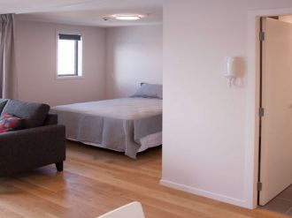 Te Aro Flatmates Wanted Wellington: $180 Per week Modern1 bedroom apartment with 1 bathroom.