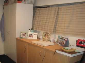 Glen Eden Flatmates Wanted: INDEPENDANT DOUBLE BED ROOM WITH LIVING SPACE, EN-SUITE,  DINING AND MORE