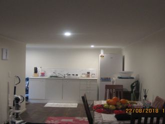 Glen Eden Flatmates Wanted Auckland: INDEPENDANT DOUBLE BED ROOM WITH LIVING SPACE, EN-SUITE,  DINING AND MORE