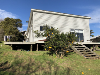 Surfdale Properties For Sale Surfdale, Waiheke Island: Sun, Location, Potential