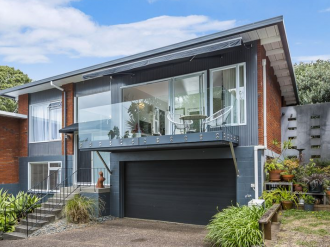 Takapuna Properties For Sale Takapuna, North Shore: Chic & Trendy in Takapuna