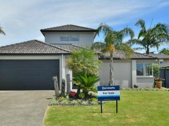 Orewa Properties For Sale Orewa, Rodney: Finally A Large Family Home on the Flat of Orewa