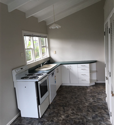 Browns Bay Rental Properties Browns Bay, North Shore: Utilities all included!